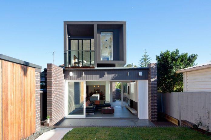Mẫu nhà 2 tầng giá rẻ dưới 450 triệu – Sang trọng, tiện nghi