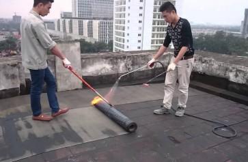 Chống thấm hiệu quả sàn mái nhà hay sàn nhà vệ sinh bằng màng bitum khò nóng
