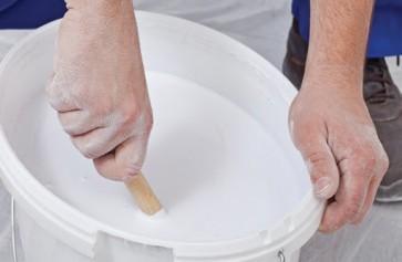Có nên pha nước vào sơn? 1 thùng sơn 5lít, 18 lít pha bao nhiêu lít nước thì đủ?